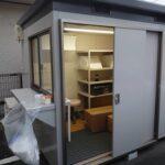 加賀谷正クリニックでPCR検査のための仮設診療所にエアコン取付